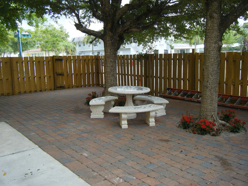 1301NE13Ave-patio2