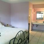 bedroom1c-450ParadiseIsle204
