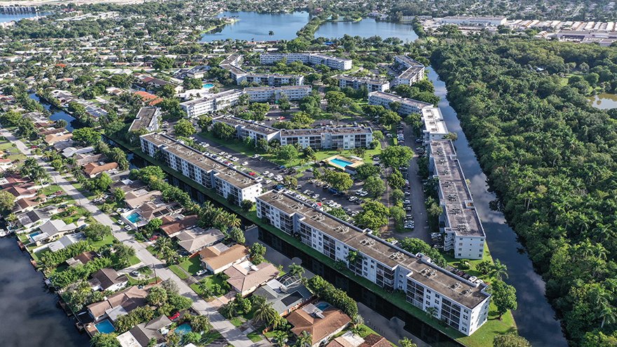 Royal Park Condos Aerial Photo